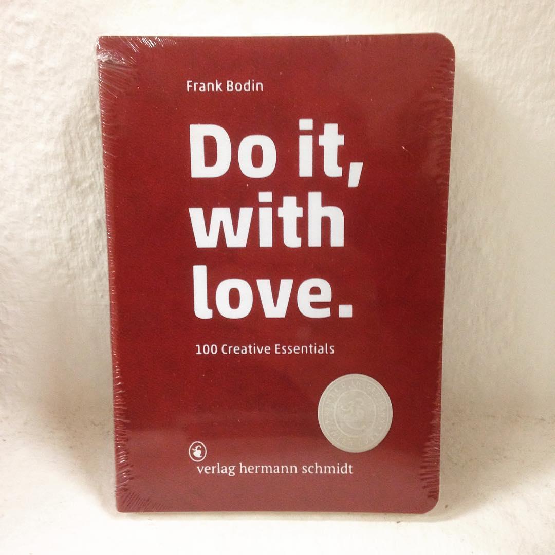 """Geschenkideen ohne Zahl """"Do it, with love."""" aus dem Herrmann Schmidt Verlag. Großartig! Vorbeischauen und schnappen"""