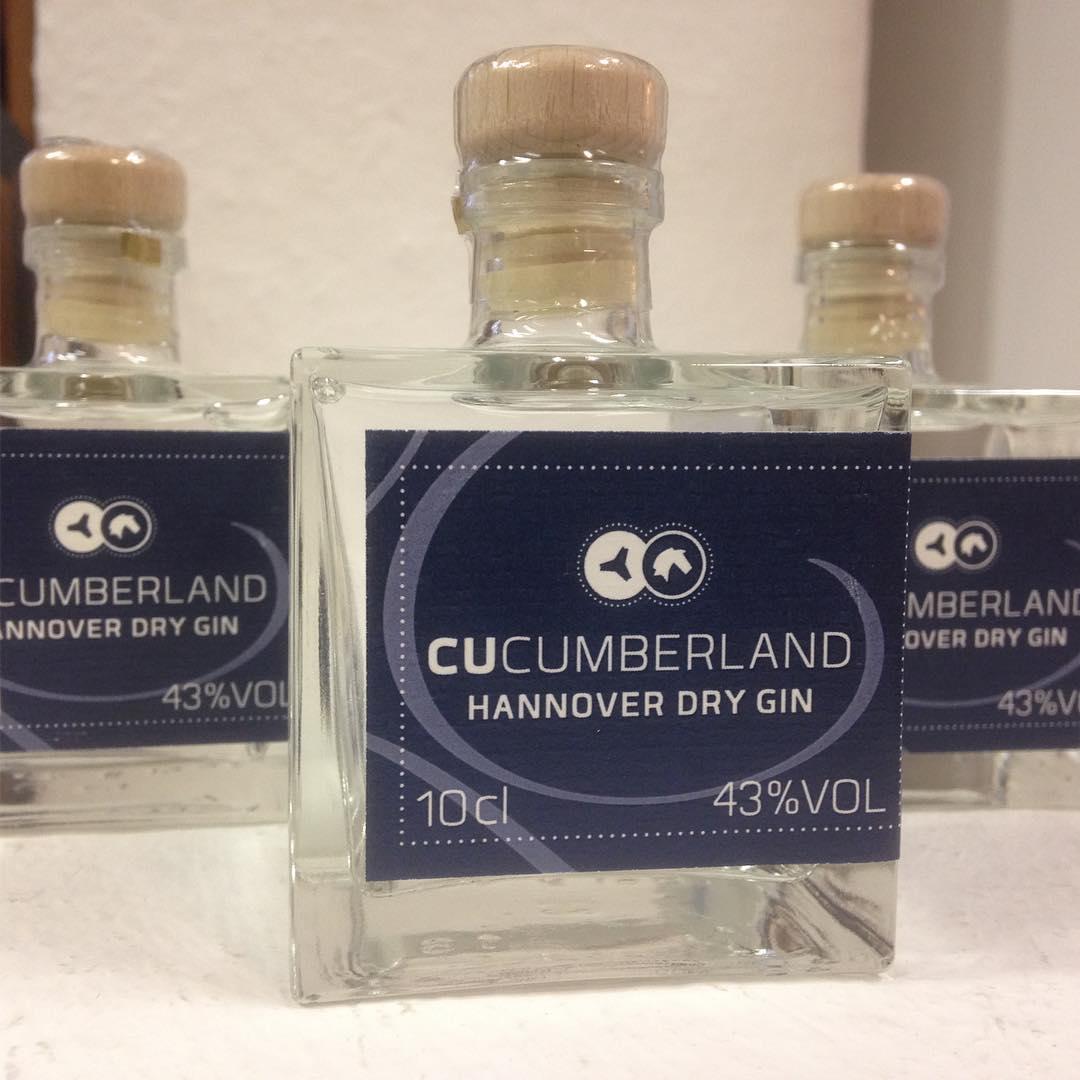 Geschenkideen ohne Zahl - Cucumberland Hannover Dry Gin Limitierte Miniflasche